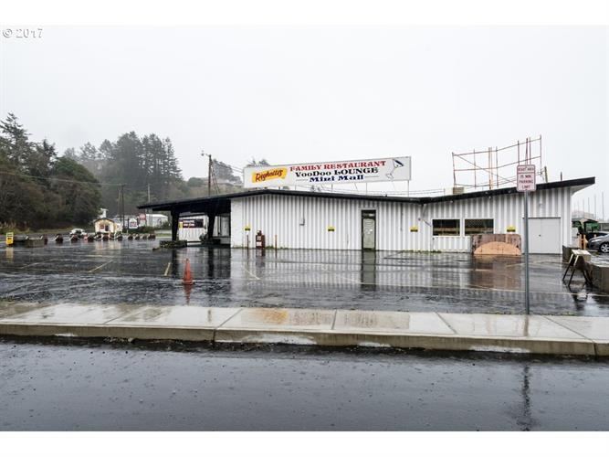 16362 LOWER HARBOR RD, Brookings, OR 97415
