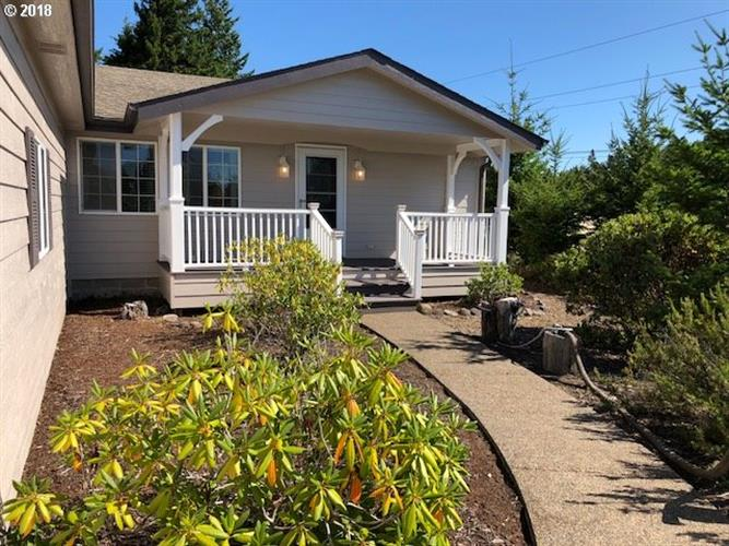 615 38TH PL, Florence, OR 97439
