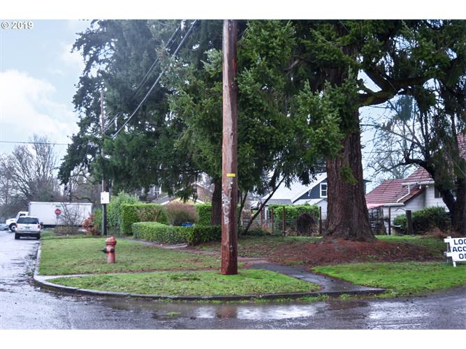N Powers and Oregonian AVE N 9, Portland, OR 97203 - Image 1