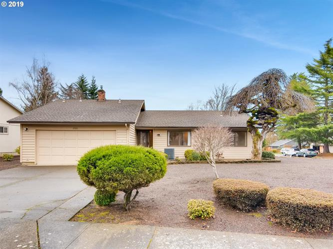 8980 SW SHERIDAN CT, Beaverton, OR 97008 - Image 1