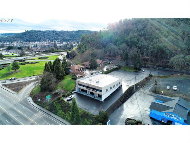836 W MILITARY AVE,, Roseburg, OR 97471 - Image 1