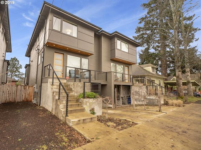3924 SE 34TH AVE, Portland, OR 97202 - Image 1