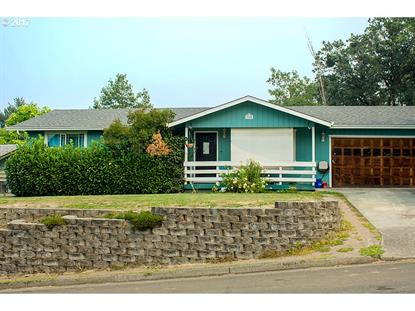 2205 CIRCLE DR, Roseburg, OR