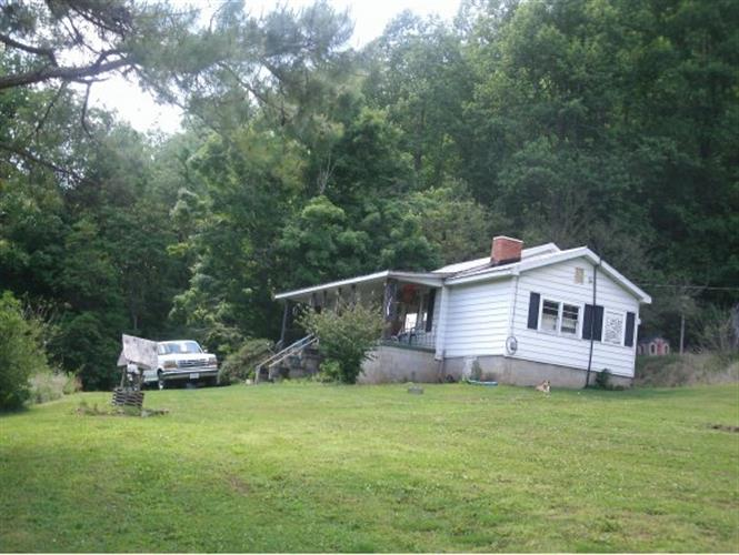 2282 Fairview Road, Duffield, VA 24244