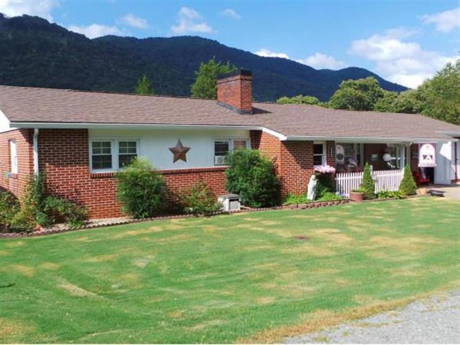 2345 E WAX AVENUE, Big Stone Gap, VA 24219