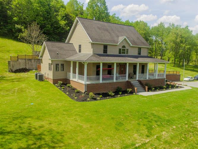 482 Simon Drive, Big Stone Gap, VA 24219 - Image 1
