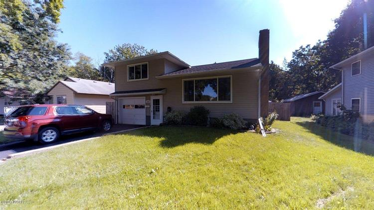 1015 7th Street SW, Willmar, MN 56201