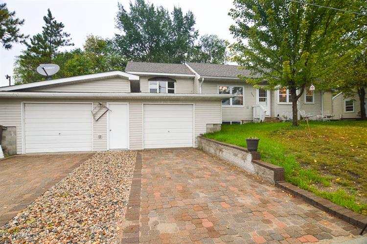 304 1st Avenue NW, New London, MN 56273