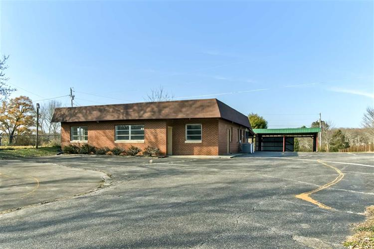 2674 Highway 39W, Athens, TN 37303