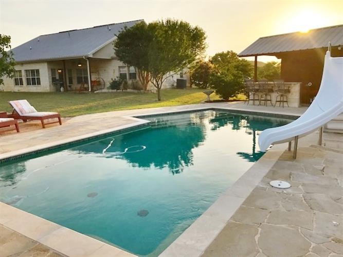 cranfills gap chat rooms Farm/ranch for sale: 2,430 sq ft, 4 bed, 2 full bath, 1 half bath farm/ranch located at 13433 state highway 22, cranfills gap, tx 76637 on sale for $499,000.