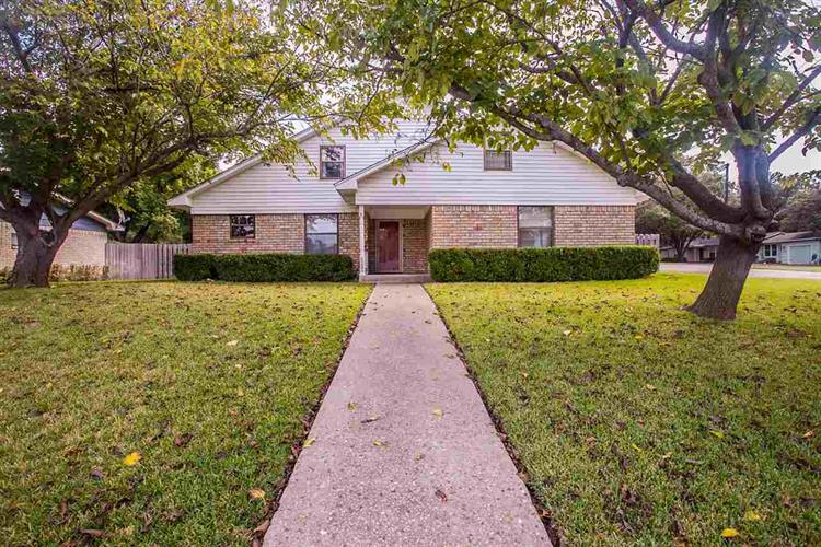 3024 MAPLE HILL CIR, Waco, TX 76708