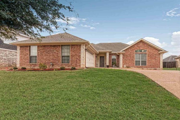 40 North Shore Circle, Waco, TX 76708