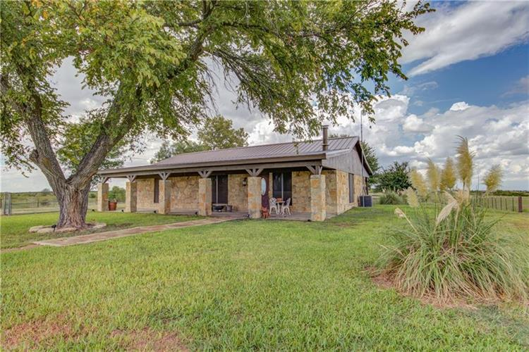 2032 Blue Cut Road, McGregor, TX 76657