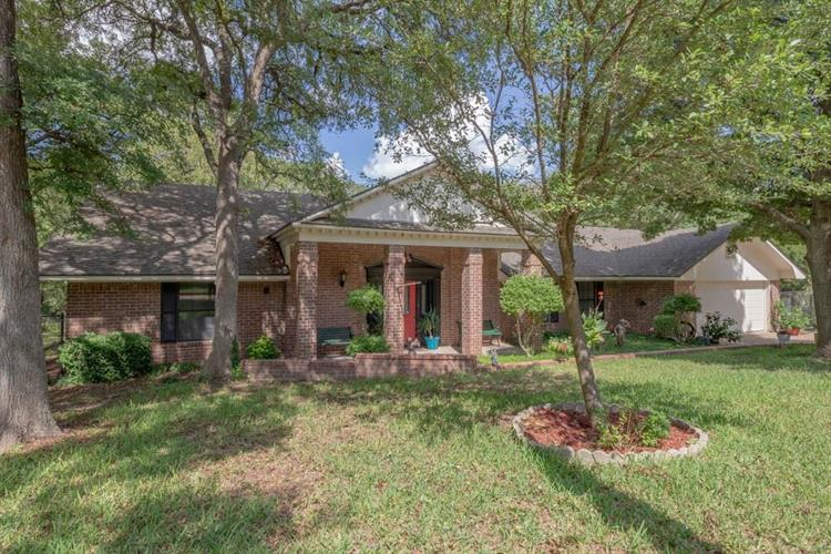 2800 Fox Ridge Road, Lorena, TX 76655