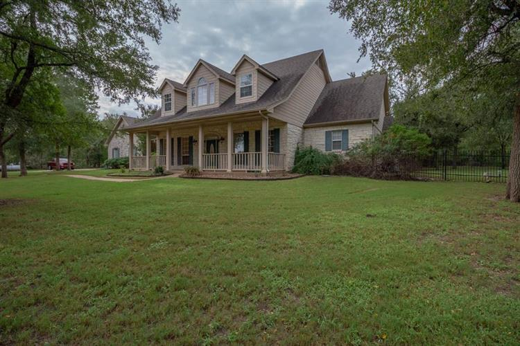 885 Winding Trail, Crawford, TX 76638