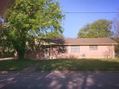 1002 S HARRISON, West, TX