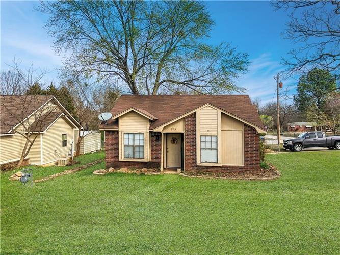 825 George  ST, Fort Smith, AR 72908
