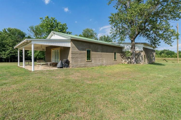 8443  S Highway 253, Huntington, AR 72940