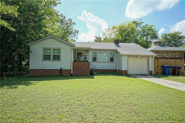 2206  S V  ST, Fort Smith, AR 72901