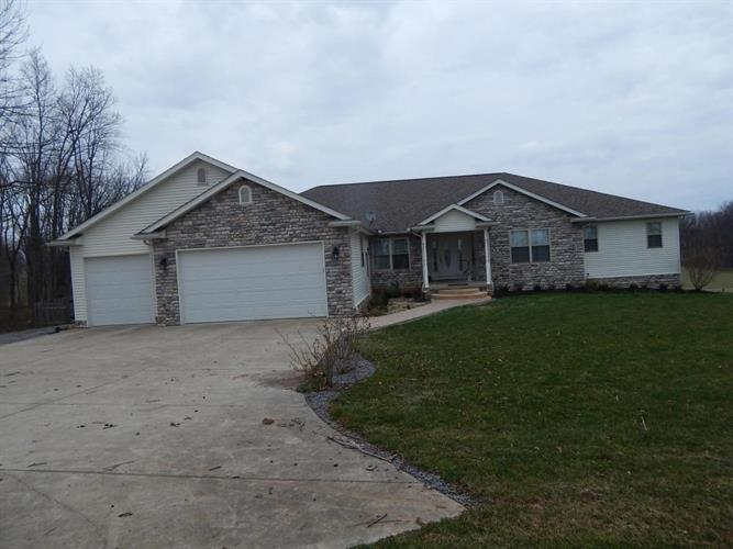 6200 Farmview Road, Mount Vernon, OH 43050