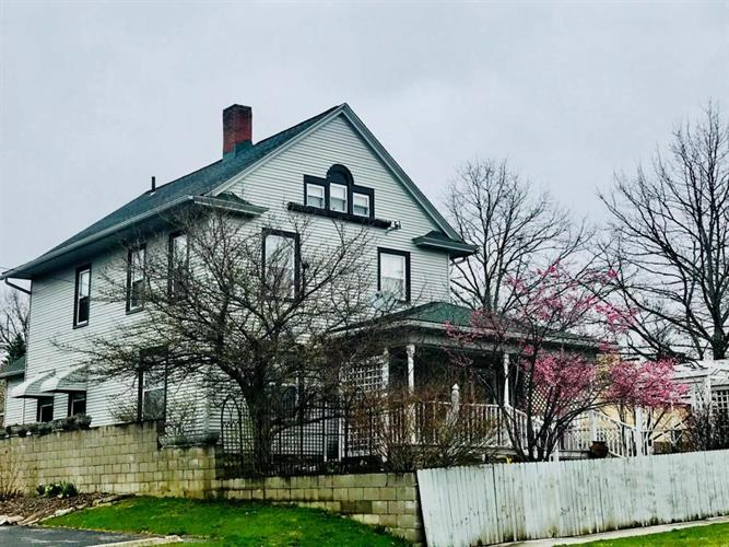38 W High Street, Mount Gilead, OH 43338