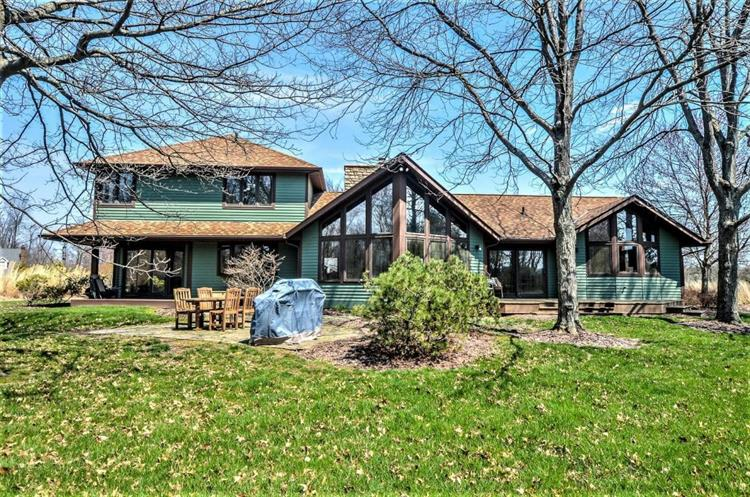 17 Meadow Wood Drive, Granville, OH 43023