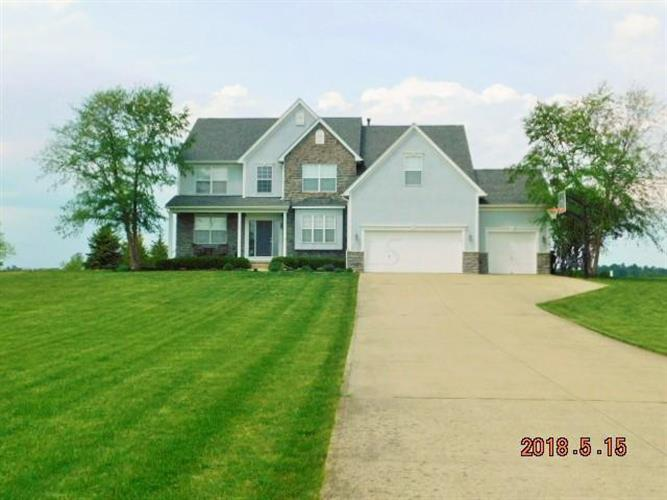 8634 Heather Lake Drive NW, Canal Winchester, OH 43110