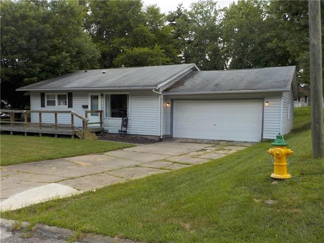 2417 Moorewood Drive, Zanesville, OH 43701 - Image 1