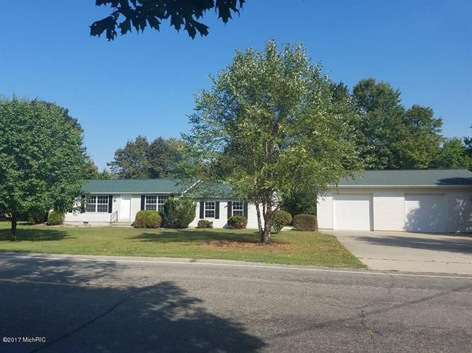 790 East Central Rd, Quincy, MI 49082