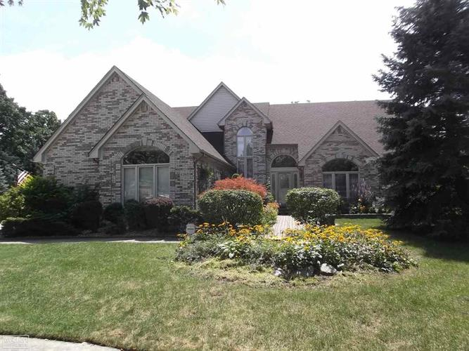 43601 Buckthorn Ct, Sterling Heights, MI 48314