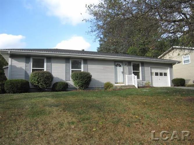 206 South Colebrook Dr, Clinton, MI 49236