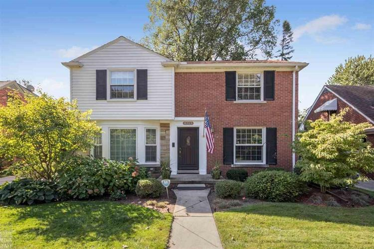 329 Ridgemont, Grosse Pointe, MI 48236