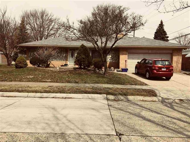 22417 GARFIELD ST, Saint Clair Shores, MI 48082
