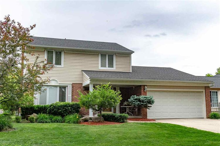 39529 BELLA VISTA, Sterling Heights, MI 48313