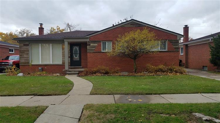 23461 CLOVERLAWN, Oak Park, MI 48237