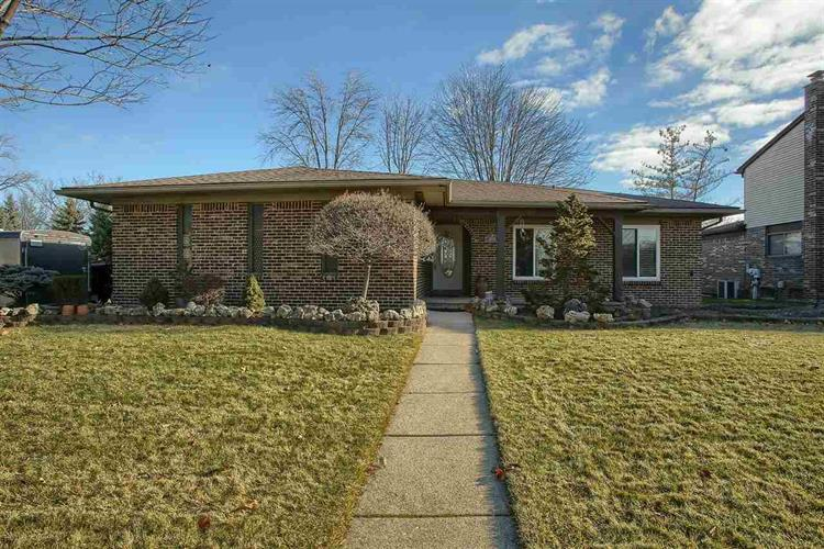 35774 MAUREEN DR, Sterling Heights, MI 48310 - Image 1