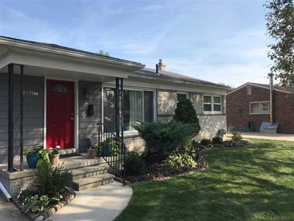 29706 Manhattan St , Saint Clair Shores, MI