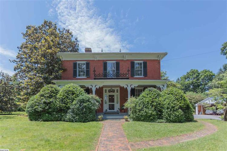 104 WHITE ST, Lexington, VA 24450