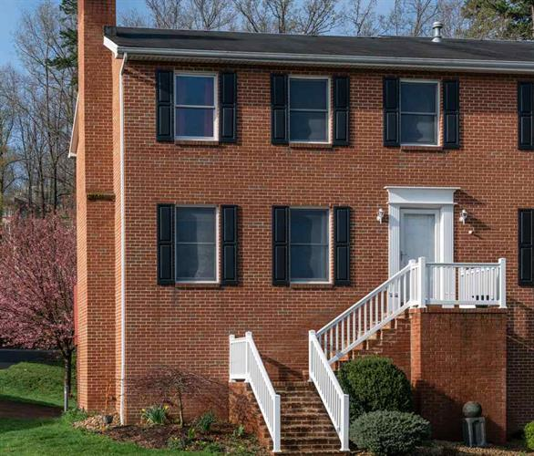 216 EMERALD DR, Harrisonburg, VA 22801 - Image 1