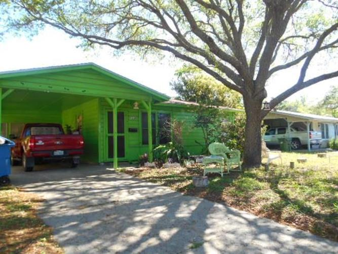 1312 Oak Park Dr, Aransas Pass, TX 78336