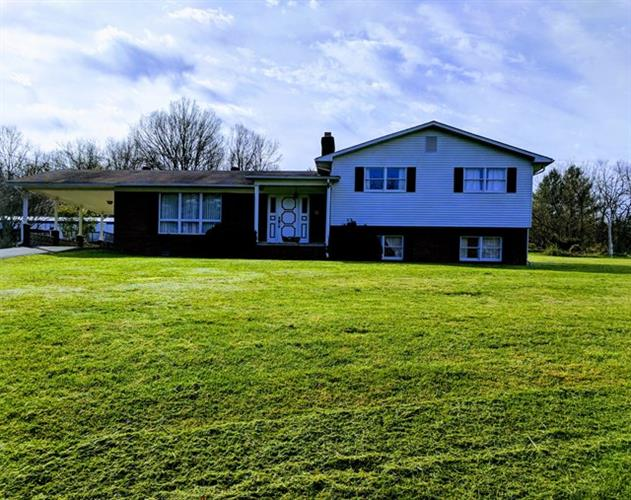 Clifton Farm Rd, Honaker, VA 24260