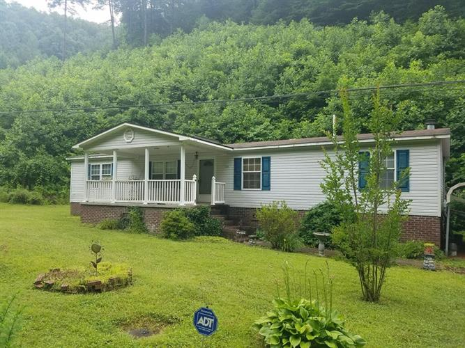WOODS FORK ROAD, Grundy, VA 24614