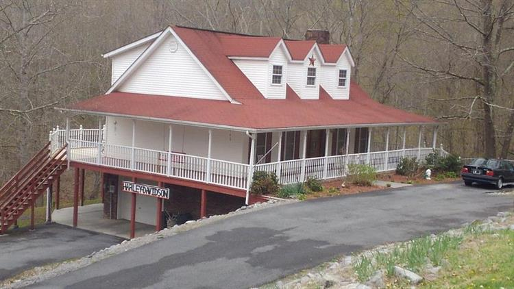 Grace, Pounding Mill, VA 24637