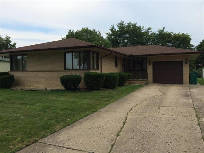 1810 River Drive, Munster, IN 46321