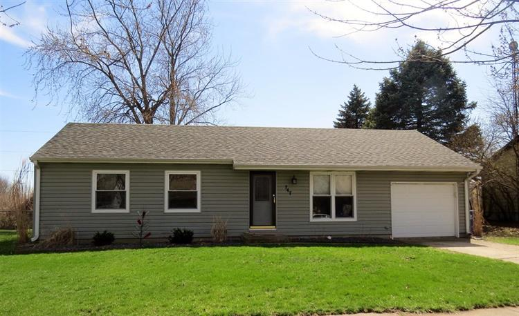 747 Mohawk Drive, Lowell, IN 46356