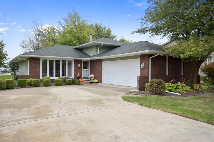 1507 West 94th Avenue, Crown Point, IN 46307