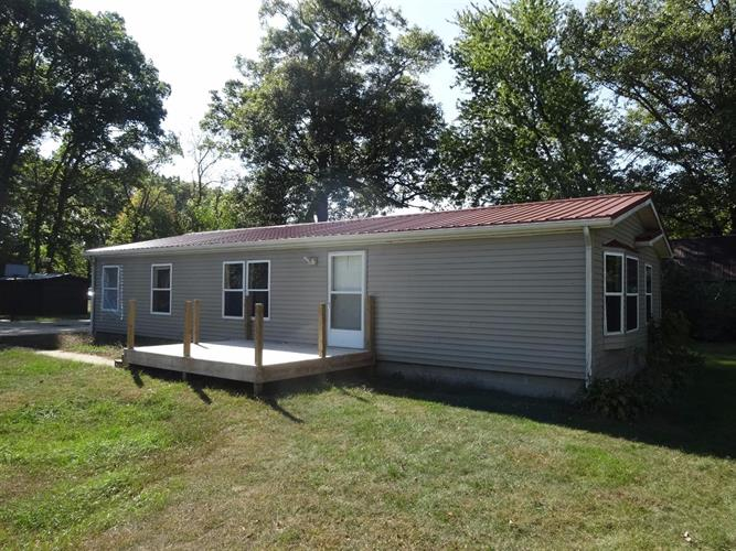 2795 South Range Road, Knox, IN 46534