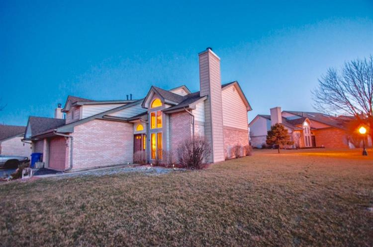 1362 W 94th Court, Crown Point, IN 46307