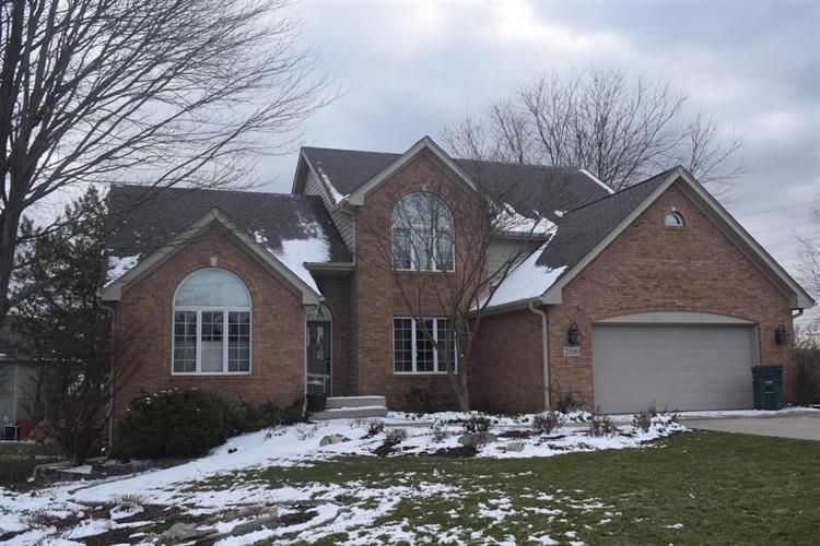 2106 Shadowood Court, Valparaiso, IN 46383