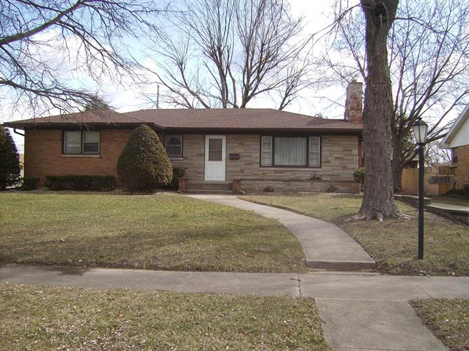 8411 Parrish Place, Highland, IN 46322